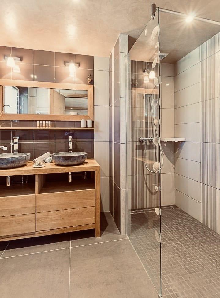 Chalet Jardin d'Angèle | Chambre d'Hôtes Courchevel douche italienne